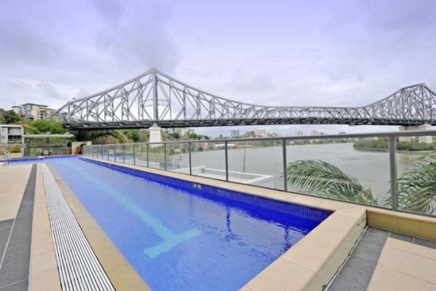 river-place-brisbane-lap-pool-1